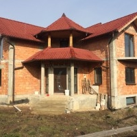 Casa De Vanzare In Sebes, Suprafata Utila 300 mp. Semifinisata. Merita Vazuta